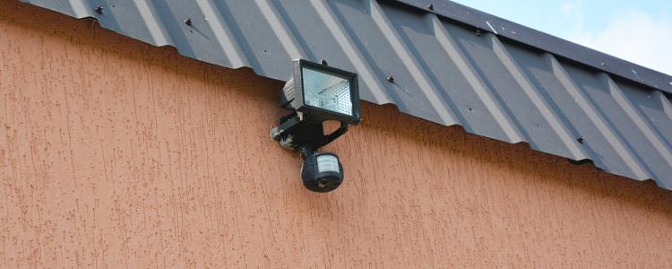 D tecteur ext rieur de pr sence guide artisan for Detecteur de presence exterieur